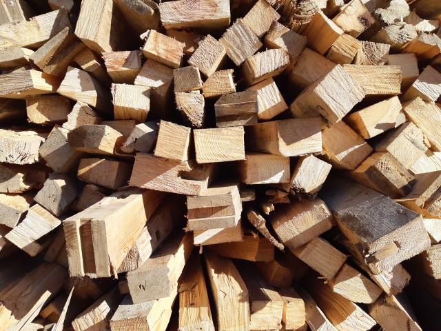 SDGsのための廃棄材を利用した付加価値商品の提供